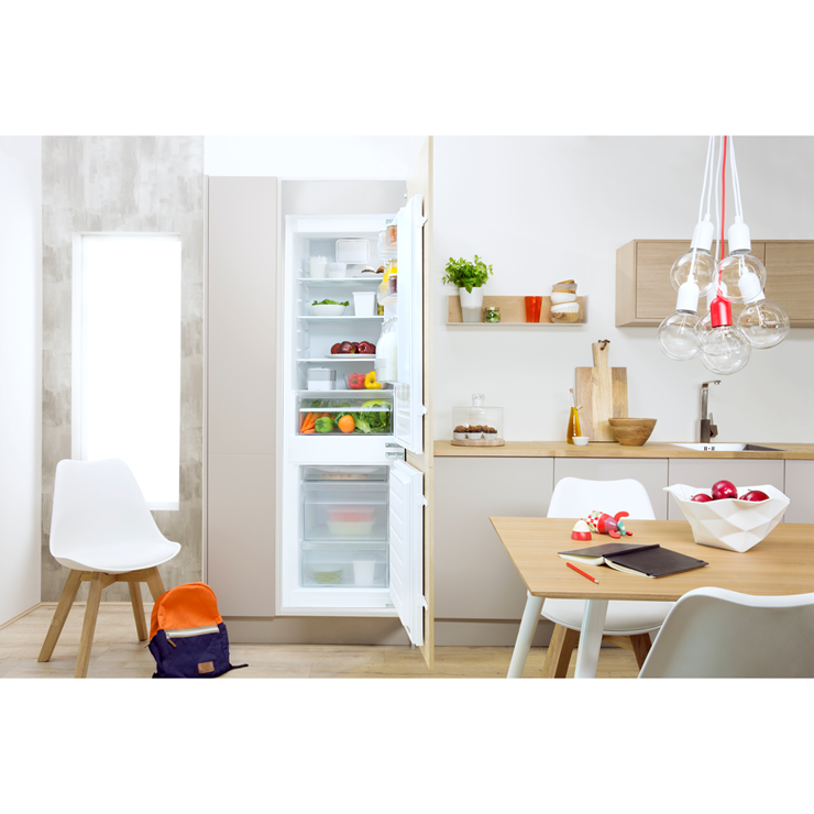 indesit ib a1 duk a rated integrated fridge freezer in white new